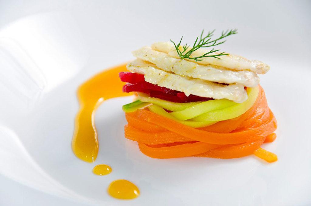 Fotografia gastronômica de Angelo Avila prato Congrio com vegetais do Chef Glener Barros