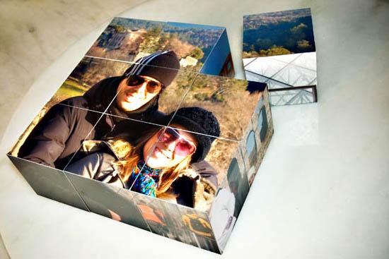 Fotografias em cubos móveis para decorar mesas e estantes